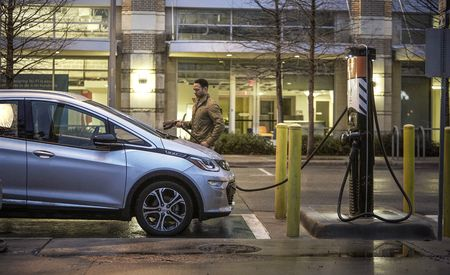 In Some Cities, Uber Drivers with EVs Are Getting a Bonus