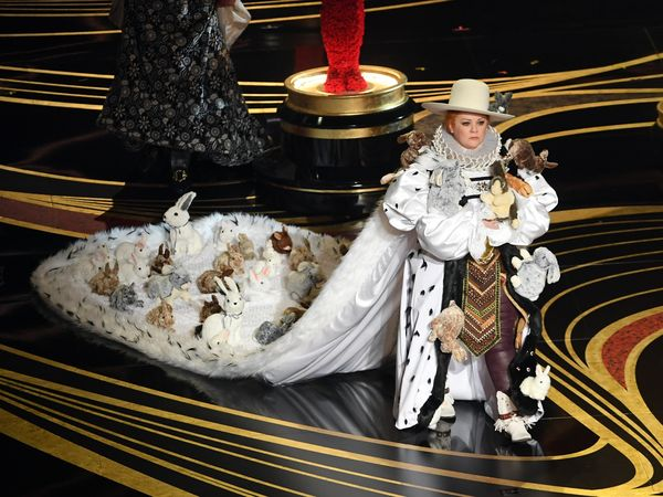 2019年アカデミー賞の話題をさらったメリッサ・マッカーシーのとんでもドレス #Oscars