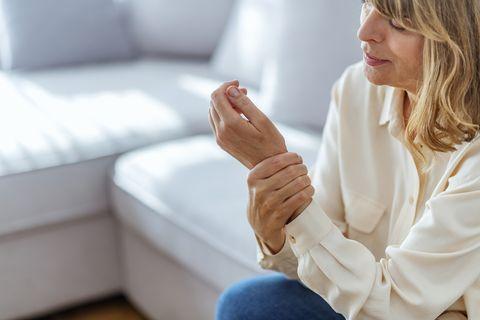 sintomas da menopausa perda óssea