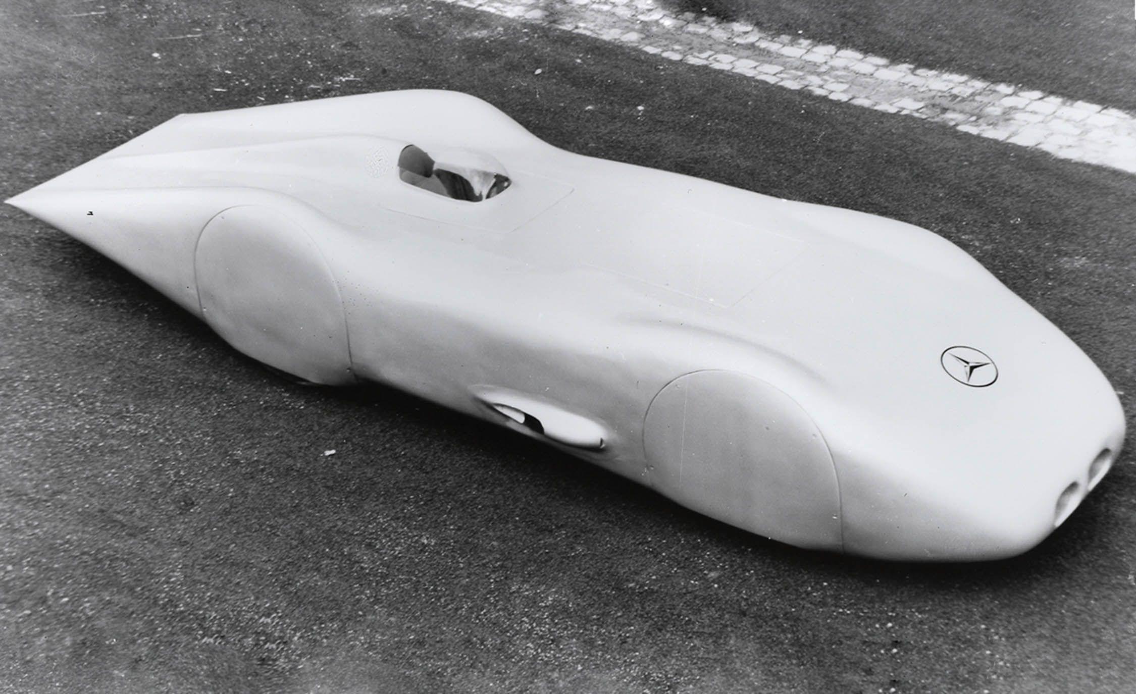 The Mercedes-Benz W125 Rekordwagen Hit 269 MPH . . . 80 Years Ago