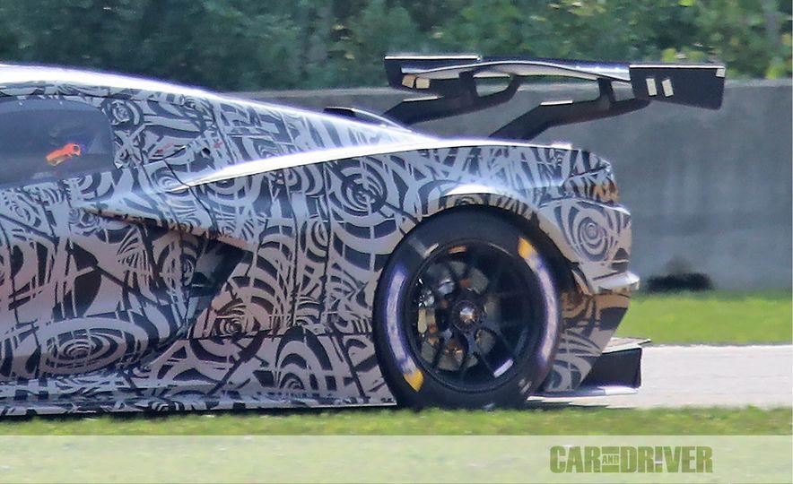 Mid-Engined Chevrolet Corvette C8 (spy photo)  - Slide 16