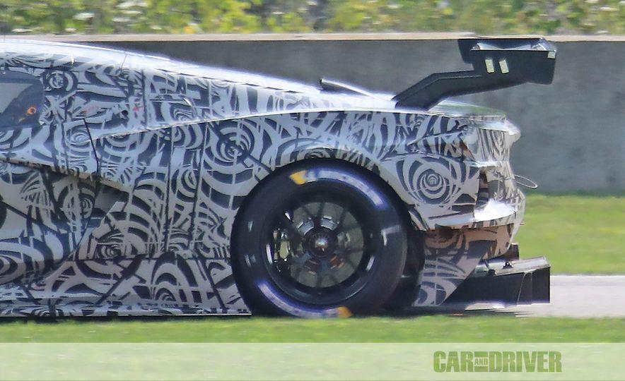 Mid-Engined Chevrolet Corvette C8 (spy photo)  - Slide 17