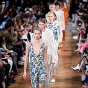 Stella McCartney : Runway - Paris Fashion Week Womenswear Spring/Summer 2019