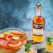 Drink, Alcoholic beverage, Liqueur, Distilled beverage, Ingredient, Food, Planter's punch, Punch, Apéritif, Whisky,