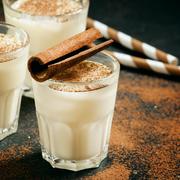 Food, Irish cream, Milk punch, Drink, Horchata, Eggnog, Cinnamon, Non-alcoholic beverage, Latte macchiato, White russian,
