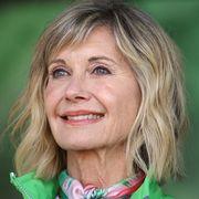olivia newton john attends annual wellness walk and research run