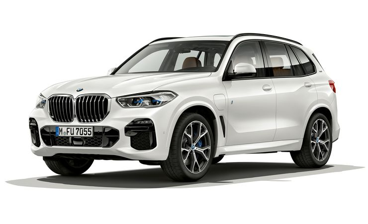 The New BMW X5 Plug-In Hybrid Is More Promising Than the Old One