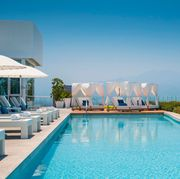 Swimming pool, Property, Resort, Real estate, Building, Leisure, Architecture, Vacation, House, Sky,