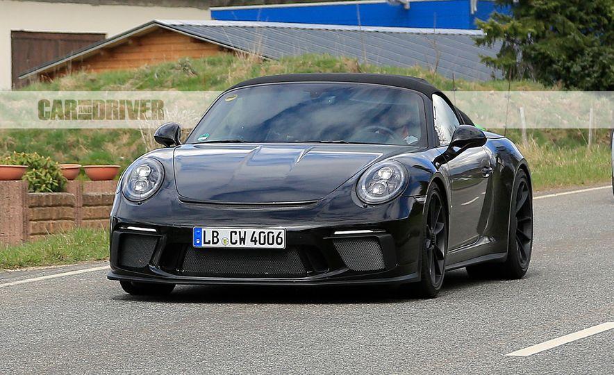 Porsche 911 Speedster (spy photo) - Slide 1