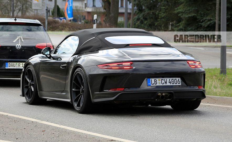 Porsche 911 Speedster (spy photo) - Slide 10