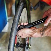schrader valvepresta valve bicycle tire, bicycle wheel, bicycle part, bicycle frame, bicycle fork, tire, hand, vehicle, bicycle, rim,