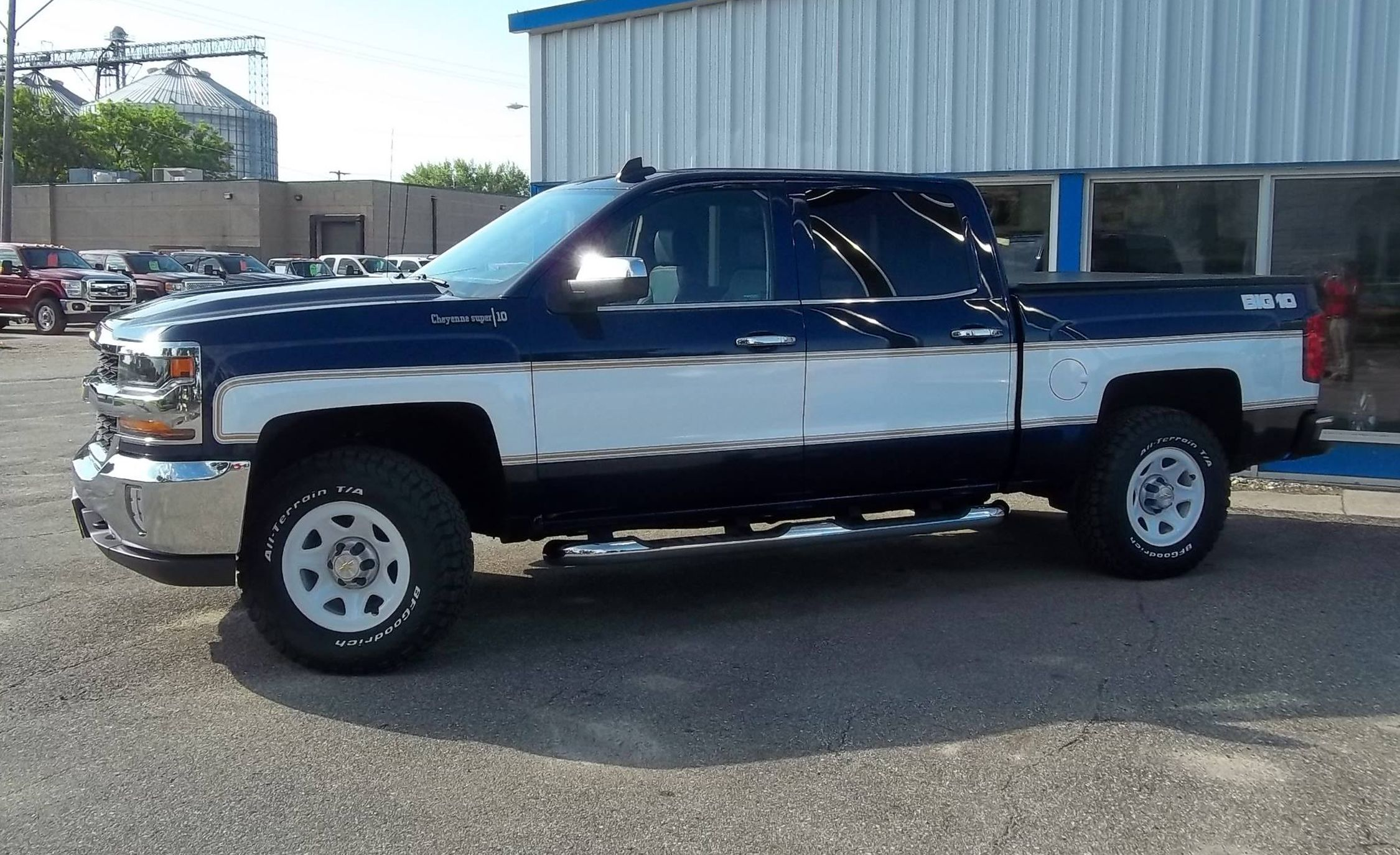 These Retro-Themed New Chevy Silverados Are the Coolest ...