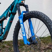 Land vehicle, Bicycle wheel, Bicycle, Vehicle, Bicycle part, Bicycle tire, Bicycle frame, Tire, Bicycle fork, Spoke,