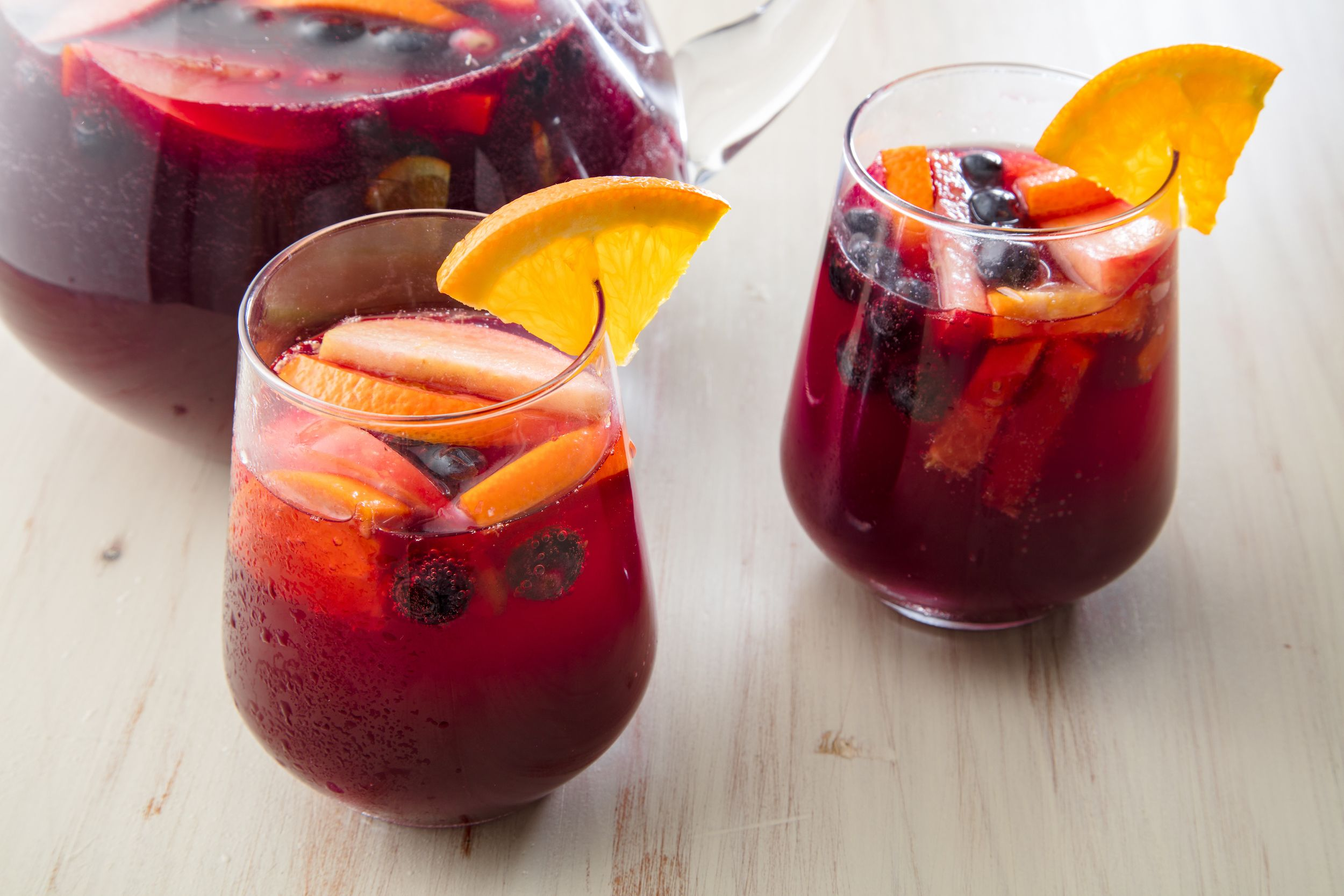 Best red wine sangria recipe how to make easy sangria thecheapjerseys Choice Image