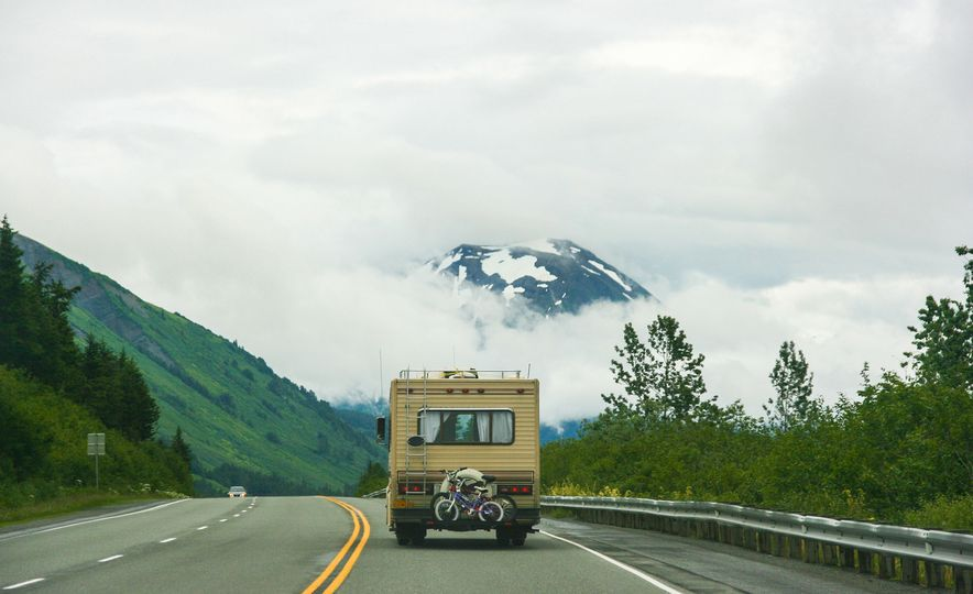 Scenic Drives You Must Take in Each of the 50 States - Slide 1