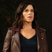 """neve campbell """"sidney prescott"""", left, and courteney cox """"gale weathers"""" star in paramount pictures and spyglass media group's """"scream"""""""