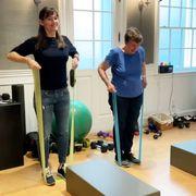 jennifer garner works out with her mom