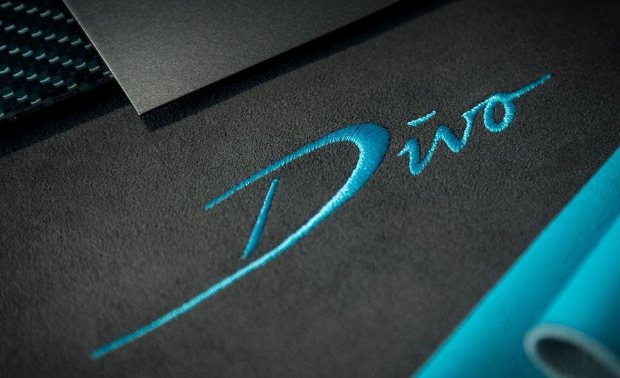 Bugatti Chiron Divo - Slide 1