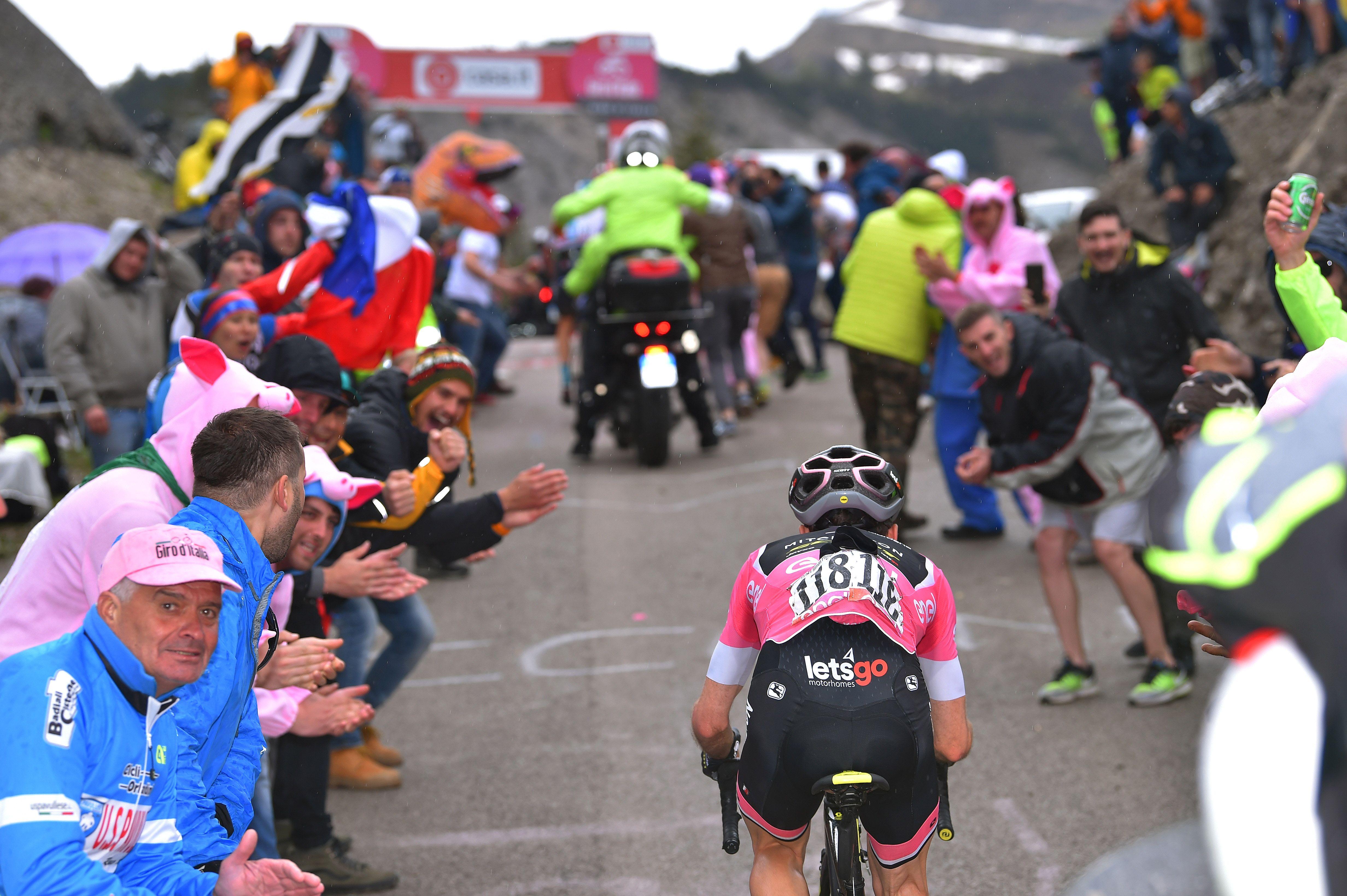 Simon Yates of Team Mitchelton-Scott makes his way up the Monte Zoncolan during Stage 14 of the 2018 Giro d'Italia.