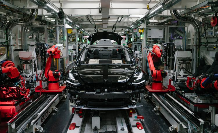 Tesla Hits Record Quarterly Sales, but Profit Is Still Unlikely