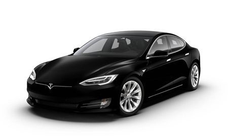 Tesla Is Getting Rid of the Base 75D Model S and Model X