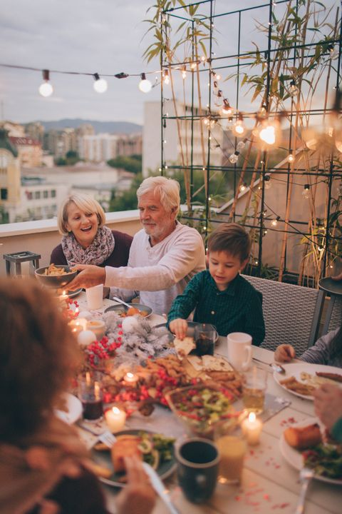 thanksgiving traditions eat outdoors