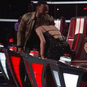 see ariana grande and john legend walked off 'the voice' after fight broke out