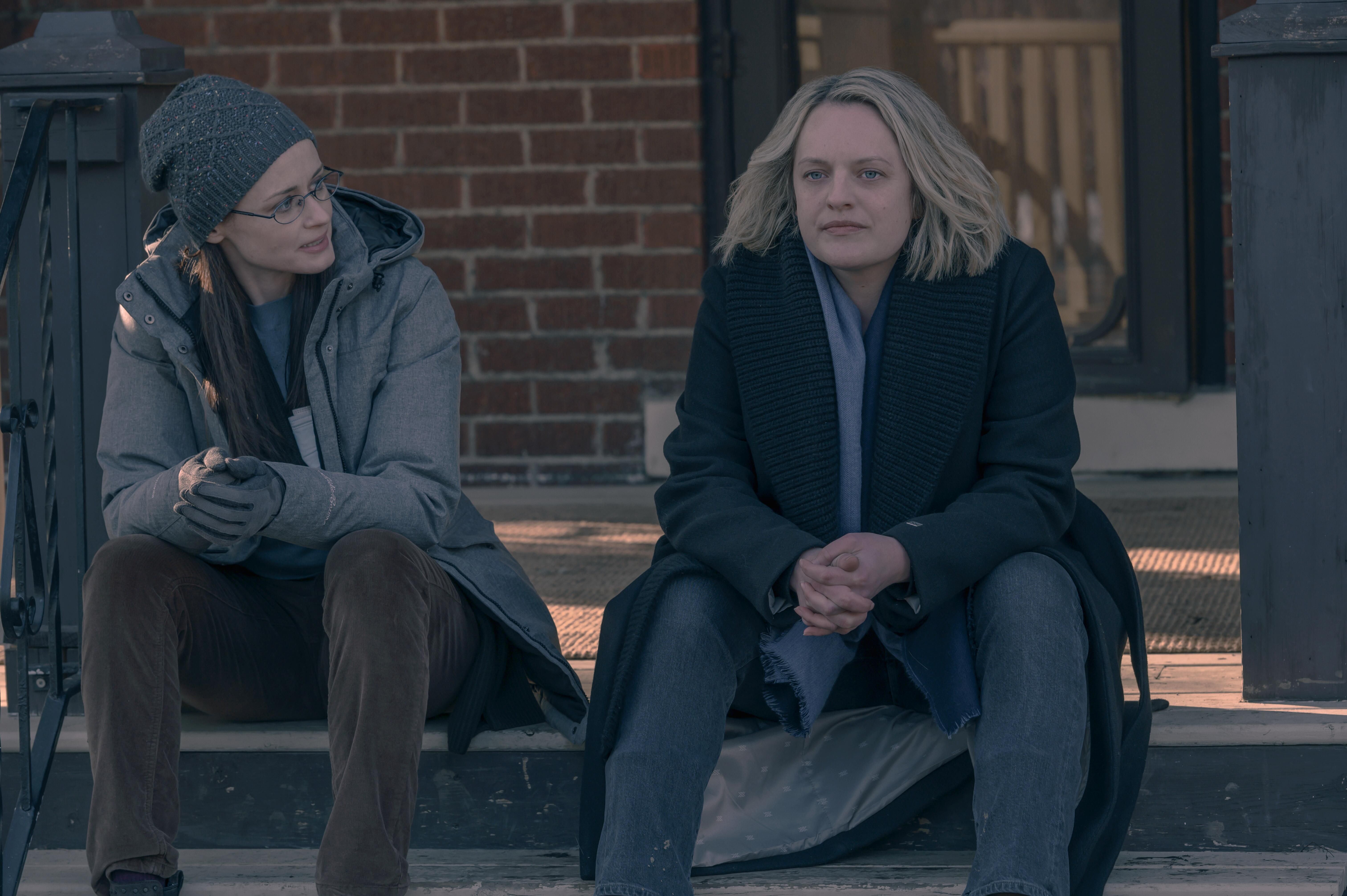 The Handmaid's Tale's Elisabeth Moss on That Shocking Season Finale: 'June Knows Who She Is Now'