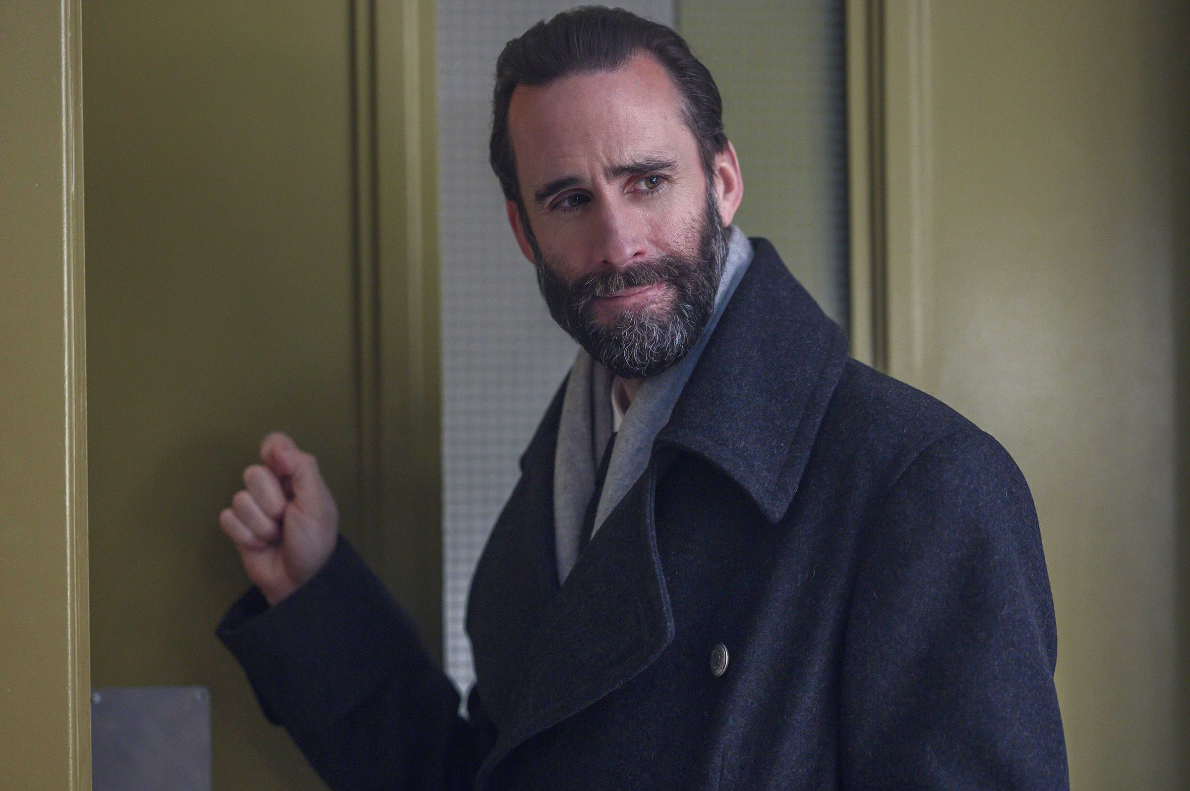 The Handmaid's Tale's Joseph Fiennes on Why He Loved the Season 4 Finale: 'I Was Cheering'