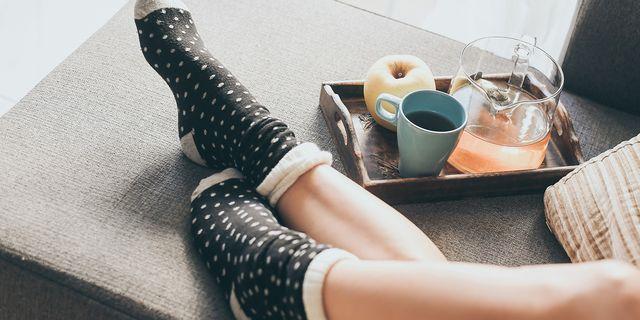 靴下をはくと早く眠れる? 有名医師tiktokerの「寝つきがよくなる」超簡単アドバイスが話題沸騰中