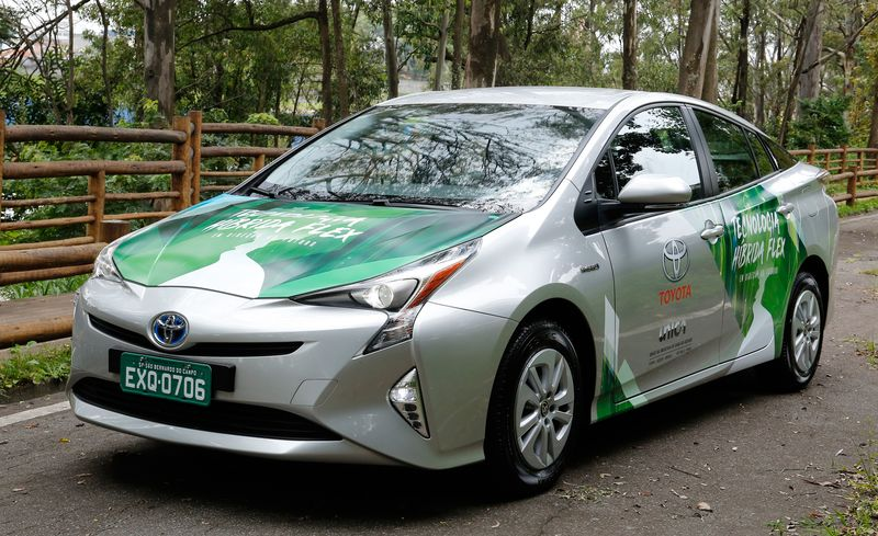 Toyota Is Experimenting With a Flex-Fuel Prius