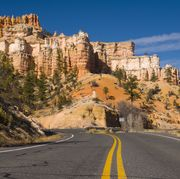 USA, Utah, Bryce Canyon National Park, Scenic Highway U-12 (All American Scenic Byway) near Mossy Cave Trail
