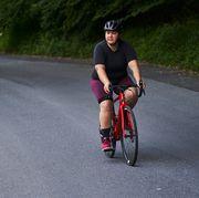 how to wear bike shorts