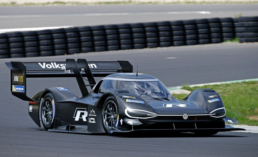 Volkswagen Hoping for Pikes Peak Record With 671-HP I.D. R Electric Racer