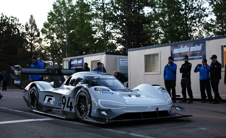 VW's Buzzworthy Pikes Peak Racer Shares Little with Its I.D. Namesakes