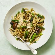 whole wheat spaghetti with grilled asparagus and scallions