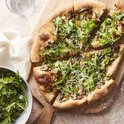 mushroom and arugula salad pizza