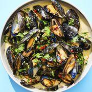 lemongrass coconut mussels