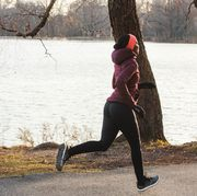 Water, Running, Jogging, Outdoor recreation, Recreation, Winter, Tree, Morning, Exercise, Grass,