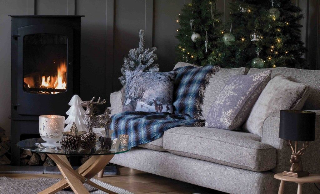 8 stylish Christmas living room looks