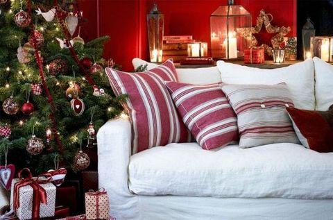 Lighting, Interior design, Room, Red, Home, Christmas decoration, Interior design, Living room, Holiday, Lamp,