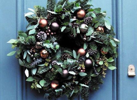 Christmas decoration, Christmas ornament, Holiday ornament, Holiday, Christmas, Christmas tree, Ornament, Interior design, Sphere, Pine family,