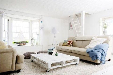 Blue, Room, Interior design, Green, Living room, Home, Furniture, Wall, Floor, White,