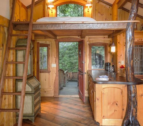 fairytale-treehouse-doorway