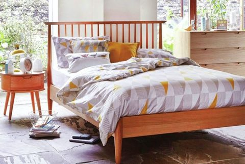 grey-and-gold-bedroom