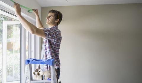 Handyman Taping Ceiling