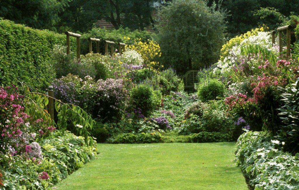 Delightful English Country Garden