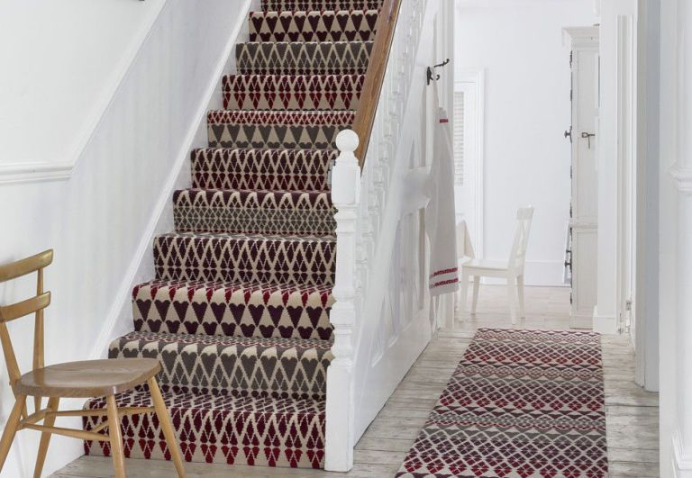 Hallway Decorating Ideas Patterned Carpet