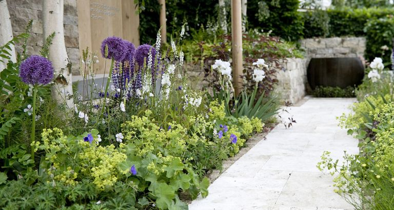 10 tips for a stylish contemporary garden design