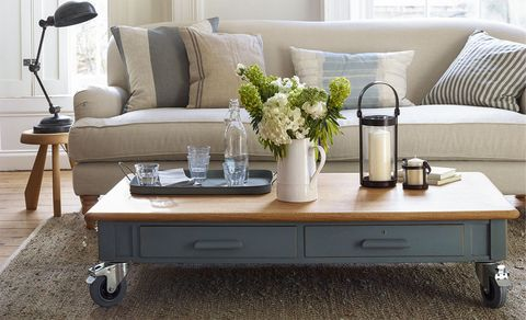 upcycled-desk-coffee-table